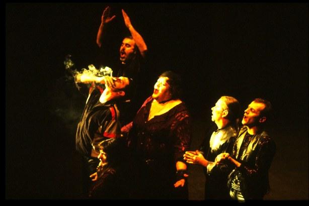 Quartiers Nord, spectacle 2001 L'Odyssée de l'Estaque, répétition au Gyptis, photo Bernard Ribet